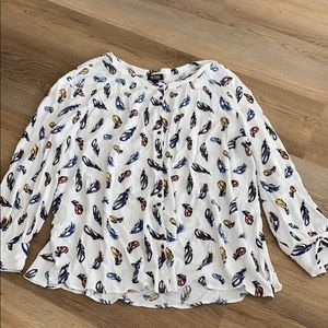 Collarless buttondown with feather print